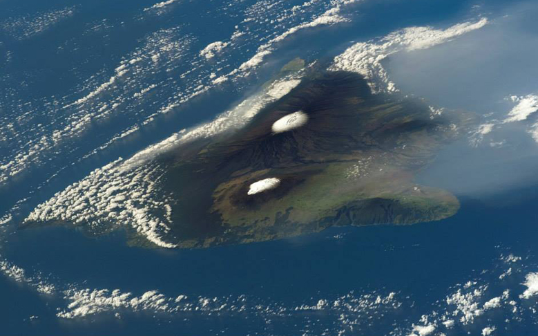 Breathtaking Pictures of Hawaii from Space