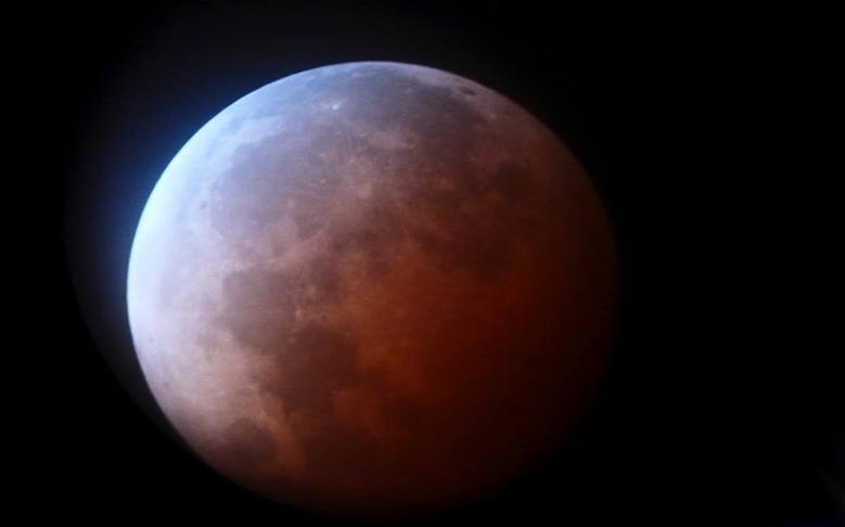 'Blood Moon' Captured from Summit of Mauna Kea