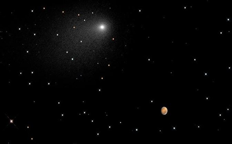 Hubble Captures Extremely Rare Comet Flyby