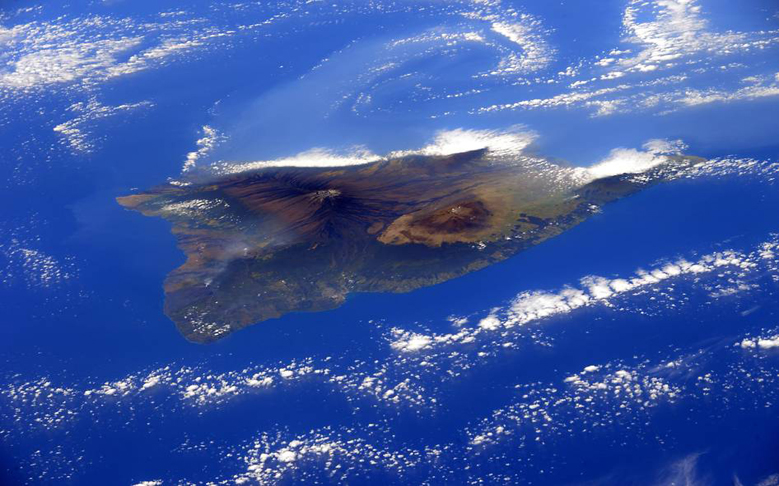ISS Astronaut Captures Incredible View of Hawaii Island